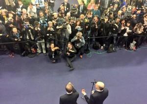 Laurent-Fabius-Ban-Moon-COP21_EDIIMA20151211_0323_18